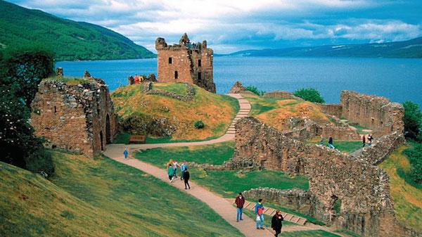 scotland_urquhart_castle-copy