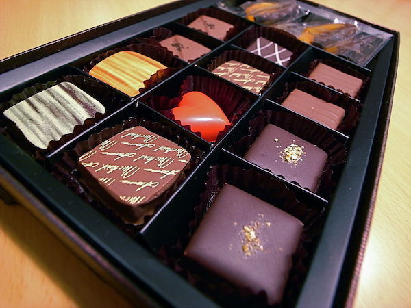 1024px-valentines_day_chocolate-copy