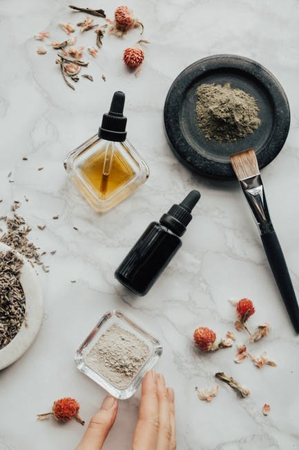 essential oils and powders